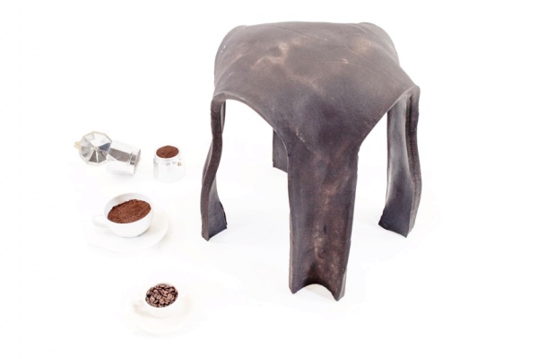 Re.Bean Coffee Stool: arredo biodegradabile con scarti di caffè